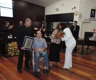 Câmara realiza entrega de Títulos de Cidadão Santa-cruzense