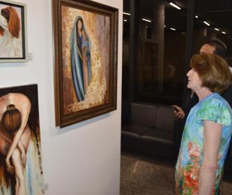 Câmara homenageia artesãos e artistas plásticos de Santa Cruz do Rio Pardo.