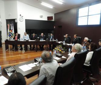 Câmara homenageia escritores de Santa Cruz do Rio Pardo.
